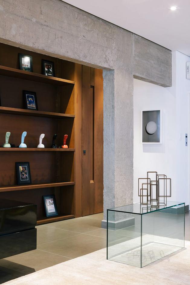 Мебель и предметы интерьера в цветах: серый, светло-серый, белый, темно-коричневый, коричневый. Мебель и предметы интерьера в стиле минимализм.