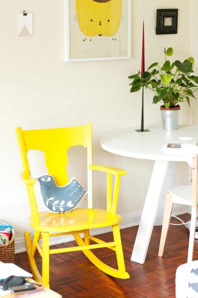 Мебель и предметы интерьера в цветах: светло-серый, белый, лимонный, коричневый. Мебель и предметы интерьера в стиле скандинавский стиль.