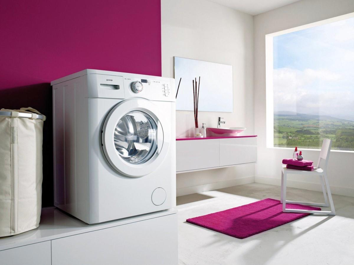 Ванная в цветах: черный, серый, светло-серый, белый, бордовый. Ванная в .