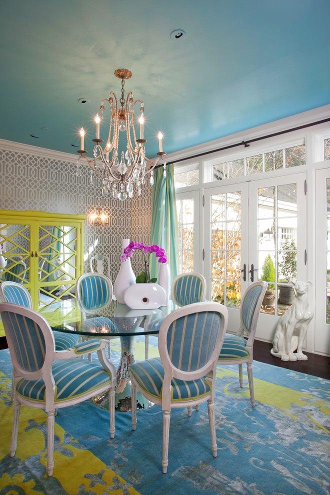 Мебель и предметы интерьера в цветах: серый, светло-серый, белый, бежевый. Мебель и предметы интерьера в стилях: неоклассика.