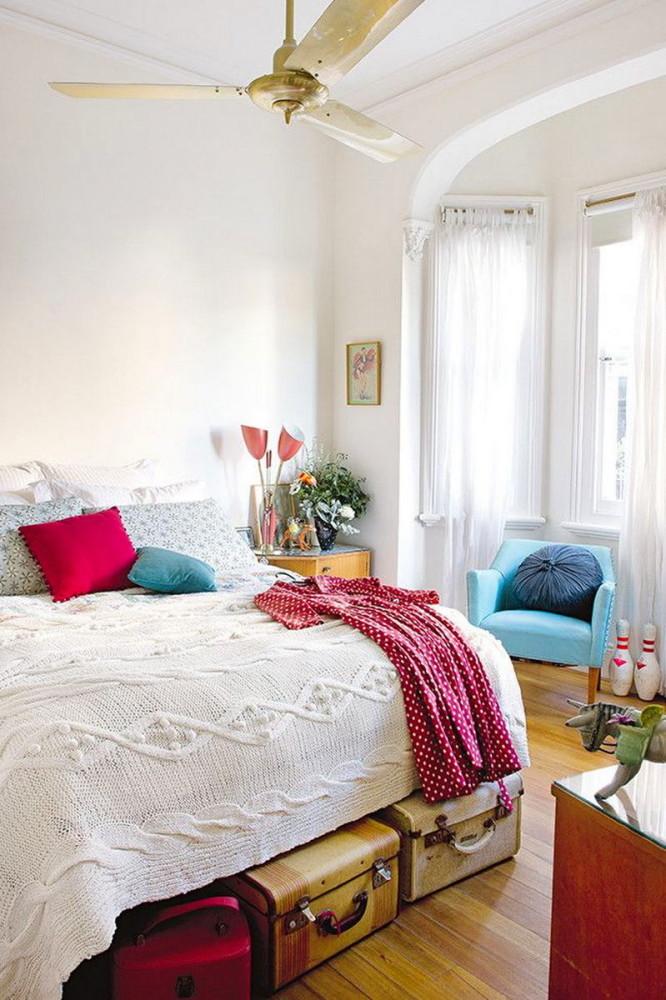 Спальня в цветах: бирюзовый, серый, белый, бордовый, бежевый. Спальня в .