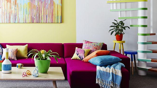 Гостиная, холл в цветах: серый, светло-серый, белый. Гостиная, холл в стилях: эклектика.