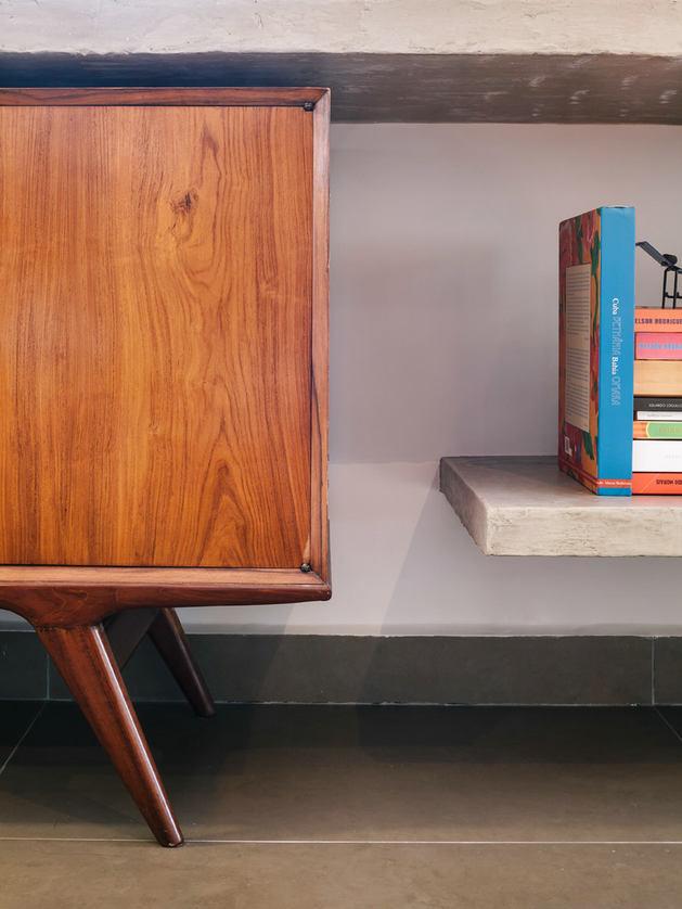Мебель и предметы интерьера в цветах: оранжевый, серый, светло-серый, коричневый, бежевый. Мебель и предметы интерьера в стиле минимализм.