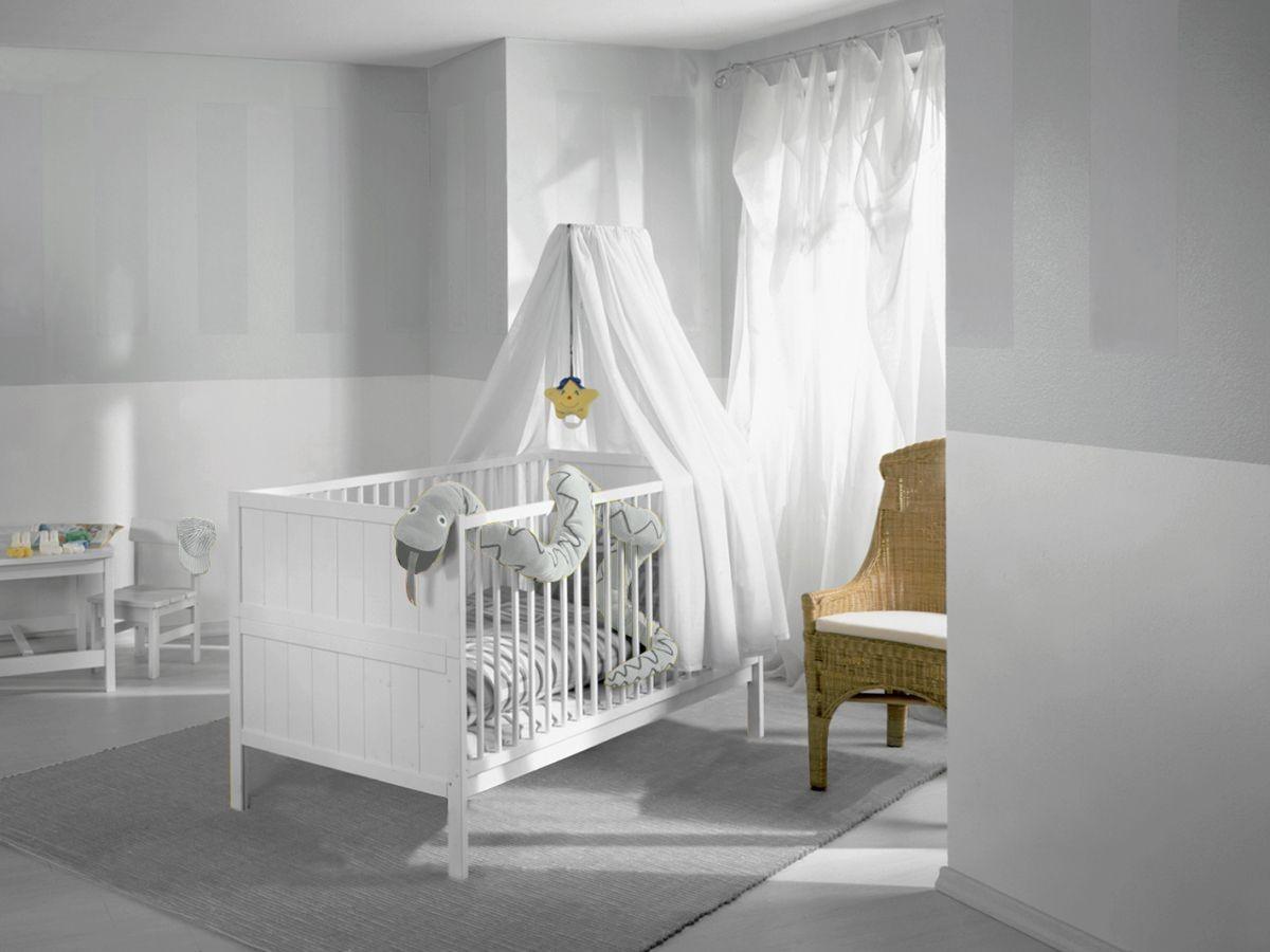 Детская в цветах: серый, светло-серый, белый, темно-зеленый, бежевый. Детская в стилях: классика.